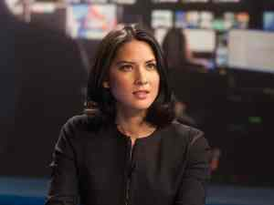 Sloan (Olivia Munn) fights for the facts on the 10:00 news