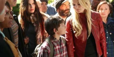 Emma (Jennifer Morrison), Henry (Jared Gilmore) and the rest of Storybrooke gather outside Regina's (Lara Parrilla) house.