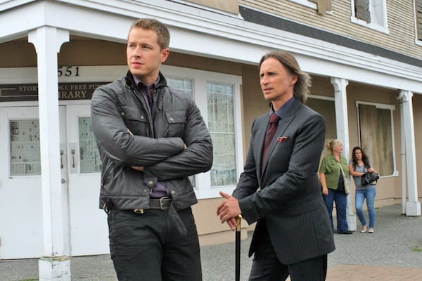 Charming( Josh Dallas) and Rumpelstiltskin (Robert Carlyle) search for Belle.