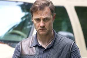 David Morrissey joins the cast as the mysterious Governor of Woodbury in &quot;Walk With Me&quot;