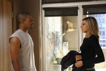 Brad (Damon Wayans Jr.) and Jane (Eliza Coupe) argue about her ex coming to town.
