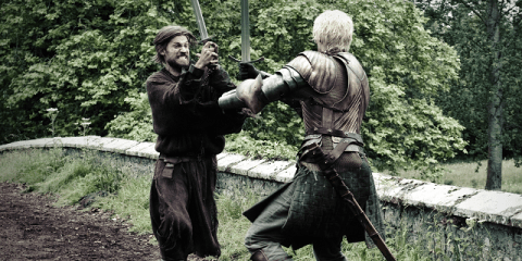 Jaime (Nikolaj Coster-Waldau) and Brienne (Gwendoline Christie) come to a stand off.