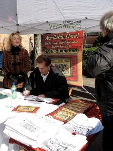 Robert Tinnell signing books at the Feast of the Seven Fishes Festival
