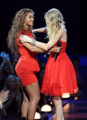 Beyonce and Taylor Swift and 2009 VMAs