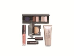 Laura Mercier getaway essentials set