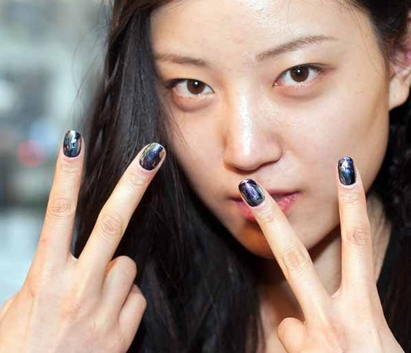 Chloe Blue Nails Paris Fashion week 2013 photo courtesy of beautyeditor.ca