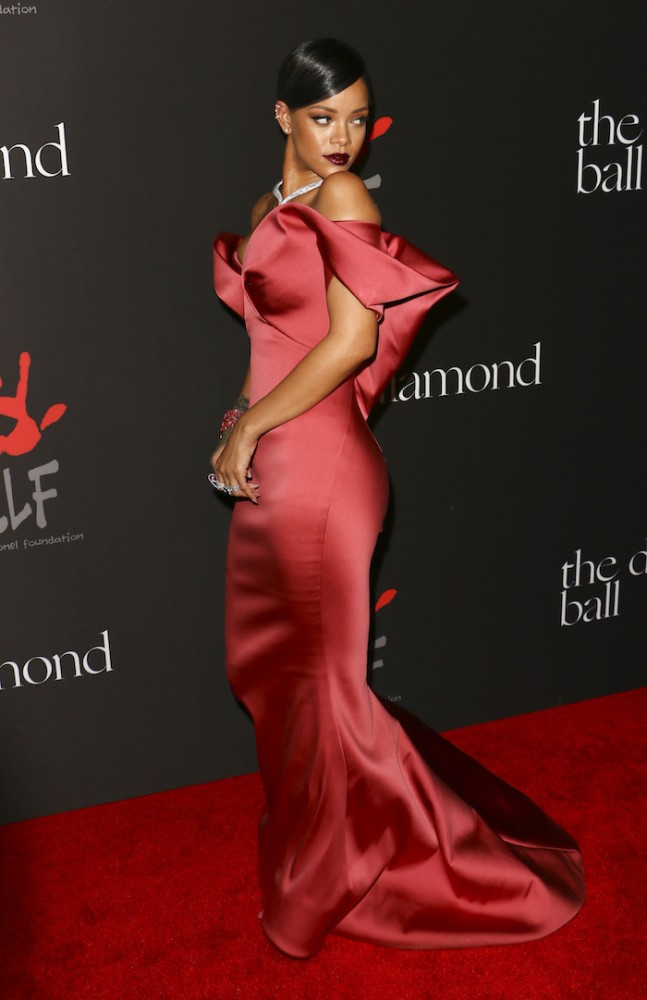 Rihanna-hosts-the-1st-Annual-Diamond-Ball-benefiting-the-Clara-Lionel-Foundation-at-The-Vineyard-in-Beverly-Hills-zac-posen-647x1000