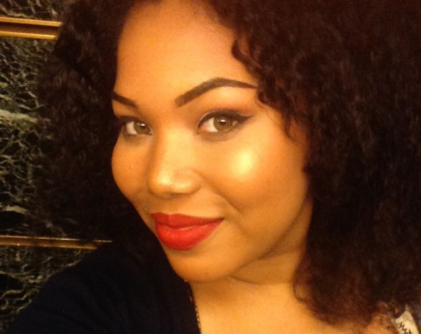 Benefit Cosmetics Watt's Up Highlighter 4