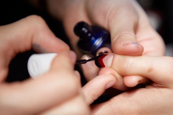 essie how to chevron nail
