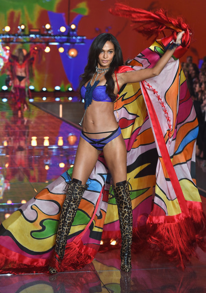 2015+Victoria+Secret+Fashion+Show+Show+-93GzCbE4n4l