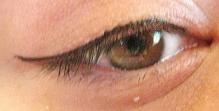 Daily Bling: DIY Liquid Eyeliner | Blinging Beauty