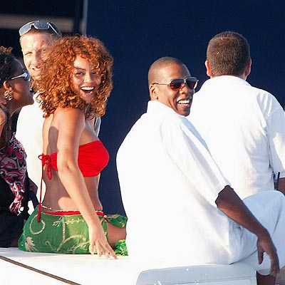 Beyonce' sailing with Jay