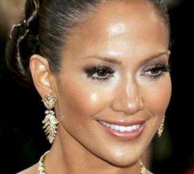 J-Lo photo courtesy of thelashbar.com