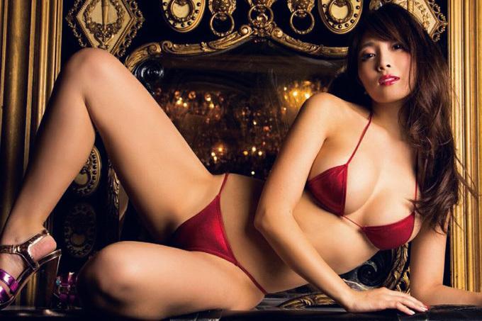 森咲智美 妖艶さが止まらない…日本一エロいグラドル。