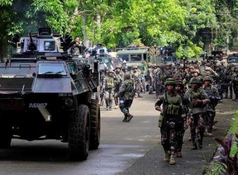 フィリピン ミンダナオ島 マラウィ 米軍 ドゥテルテ大統領 報道しない自由