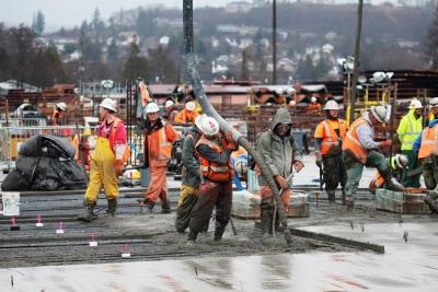 マジかよ…コンクリートしっかり固まるまで20年位かかるんだぜ。