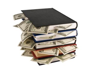 亡くなった祖父本棚の整理をしていたら本に昔の一万札が挟まっていてちょうど30万になった…
