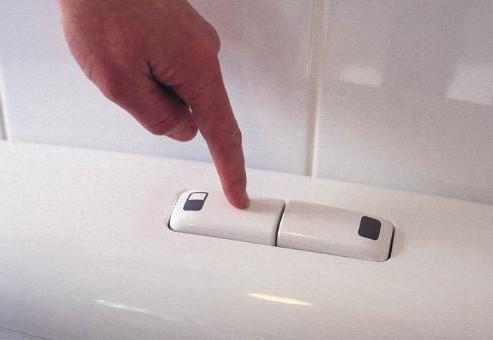 どこだかのトイレの流すボタンは、死刑台の執行ボタンと連動しているらしいー