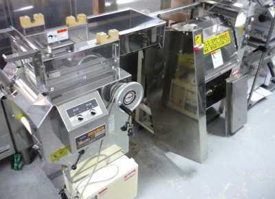 19歳の男性工員、製麺工場で粉をかき混ぜるミキサーに右腕を巻き込まれ死亡 - 北海道・北広島
