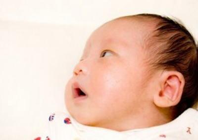 堀江貴文氏 「新幹線で泣く赤ん坊に舌打ちしていた人、そういう人は車で移動すべき」というツイートに反応 「泣く子に対してではなく親の対応にイラつく」「睡眠薬飲ませれば」 → 炎上
