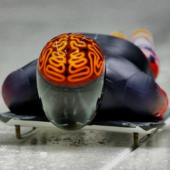 【ソチ五輪】 「ハカイダー!?」 スケルトン競技でカナダ選手のヘルメットがネットで話題