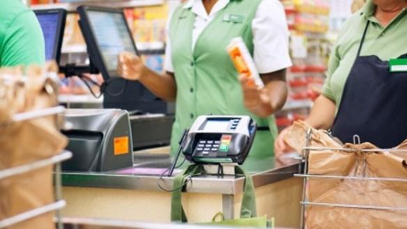 スーパーでバイトしてたとき、一個売りのレタスを半分で売れとしつこい客がいた