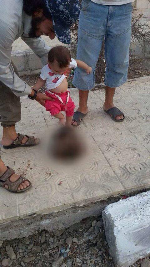 【朗報】ISISの子供、異教徒の人頭でサッカーしながらすくすくと育つ(画像あり)