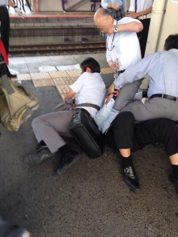 【画像】盗撮で捕まった男の末路wwwwwwwwwwwwwwwww