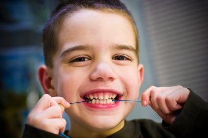 歯ブラシを隣の子に取られたが担任の保育士は怒りながら代わりに割り箸を渡してきた