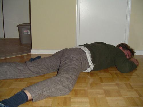 居眠りで突然激しく倒れる人っているよな