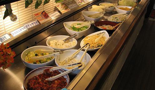 世界で生産される食料の半分が無駄に 先進国では無駄のほとんどが小売業者や消費者の行動によるもの … 英報告書