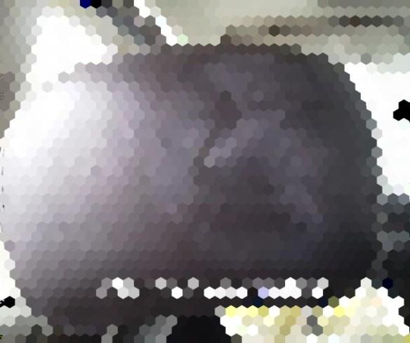 【ちょっと怖い画像】車のヘッドレストに顔が!