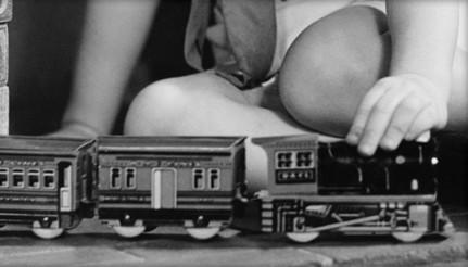 幼稚園の頃から電車が大好きで爺ちゃんや婆ちゃんと毎日のように電車を見に行きました