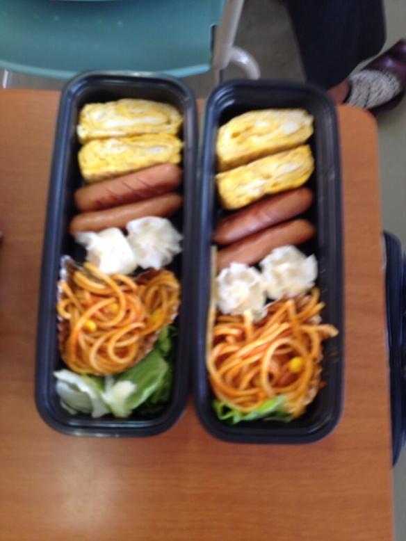 【画像】昼休みウキウキで弁当箱開けた結果wwwwwwwwwwwwww