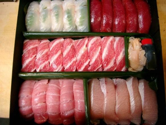 【画像】この寿司セットの値段wwwwwwwwwwwww