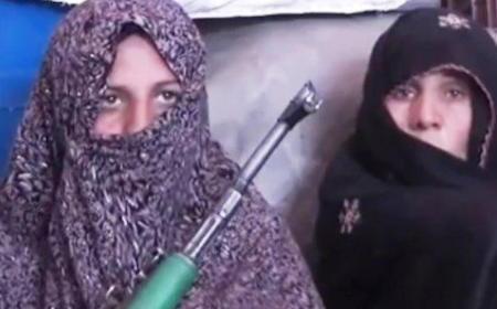 タリバンに息子を射殺された母親、娘と息子の嫁を連れてタリバンに復讐 → 7時間の激戦で25人を射殺し、5人を負傷させる … 「私は自分を阻止できず、思わず襲撃者に反撃した」