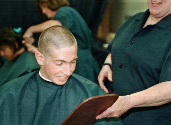 坊主頭なのに何故頭髪検査で引っかかるのか、わけわからん