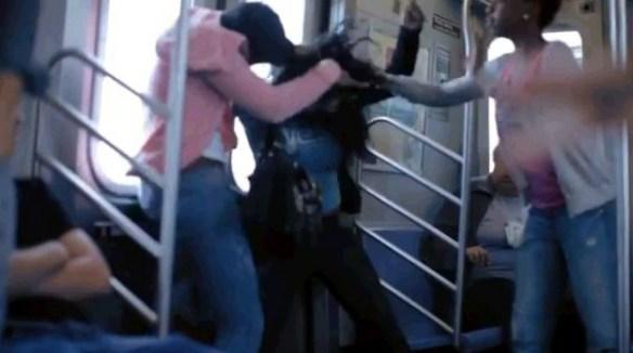 【目撃】なぜか電車や駅で突然起きる暴力沙汰