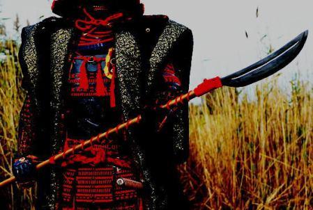 """普段は銀行窓口業務のベルギー人「日本のサムライ鎧が欲しい!」「レプリカじゃダメだ」 → 金属加工職人の友人も巻き込んで、2年の歳月をかけ完成させた""""大鎧""""がスゴイ (画像あり)"""