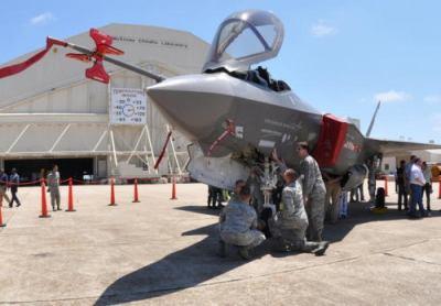 朝鮮日報 「F35A導入しても技術移転してくれないなら、思い切って配備決定の白紙化という姿勢を持つべきだ」「できる限り技術を獲得し、韓国型戦闘機開発事業に役立てなければならない」