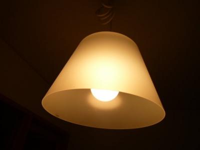 一人暮らしの電気つけっぱで寝てしまった朝の絶望感wwwwwwwwwww