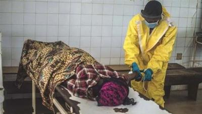 【悲報】エボラ出血に関する危機感がアメリカと日本で雲泥の差な件・・・・・・・・・