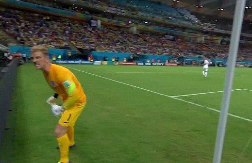 GKジョー・ハート「Give me the f**** ball!!」とボールボーイに激怒していた(動画)
