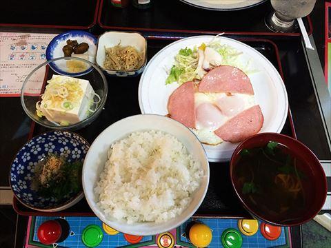江東区枝川のハムエッグ定食とカツ皿 ※孤独のグルメネタバレ