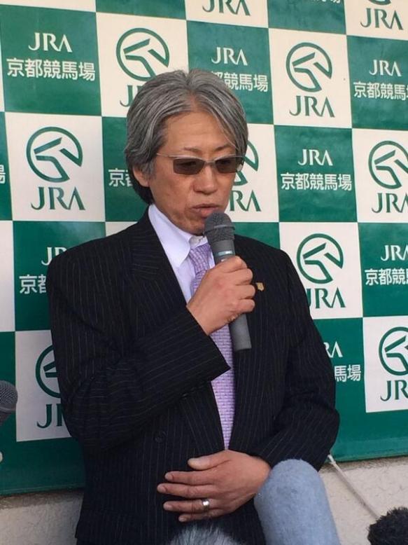 【競馬】 戸田調教師の会見風景wwwwww  【天皇賞】
