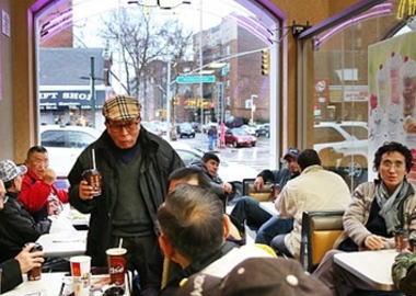 60代の韓国人の老人、マクドナルドの従業員に殴られたとして1000万ドル(約10億円)の賠償を要求する訴訟