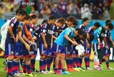 サッカーW杯 日本vsコートジボワール、1-2で逆転負け … 大会前の課題がそのまま敗因に 本田7、吉田・長友・大迫4.5、ザッケローニ4