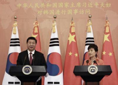 習近平、中韓首脳会談で韓国に対し安全保障や経済など多方面から提案 → 朴槿恵まんざらでもない様子 → 中韓FTAの年内締結や、中国中心の新たな金融秩序に韓国を引き寄せることに成功