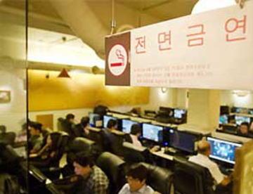 舛添都知事「飲食店でたばこが吸える国は日本だけ。全ての公共機関や飲食店での禁煙条例を通したい」