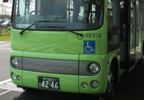 「病院行きバスのナンバープレート『42○○』は不吉だ!」 … 4269(死に向く)、4251(死に来い)、4250(死にごろ)は変更したが、「42から始まるバスには、乗りたくない」